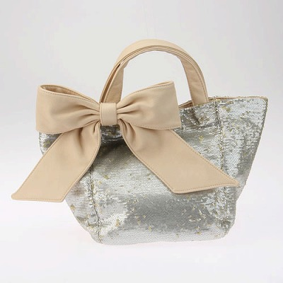 deux lux デュラックス スパンコール リバーシブル トートバッグ Lucky Small Reversible Sequin Tote with Bow DL812-168 アイボリー