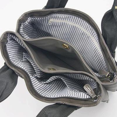 イヴ・ヴァレンテ(Yves Valente) エナメルスワロー 手提げバッグ ダークグレー